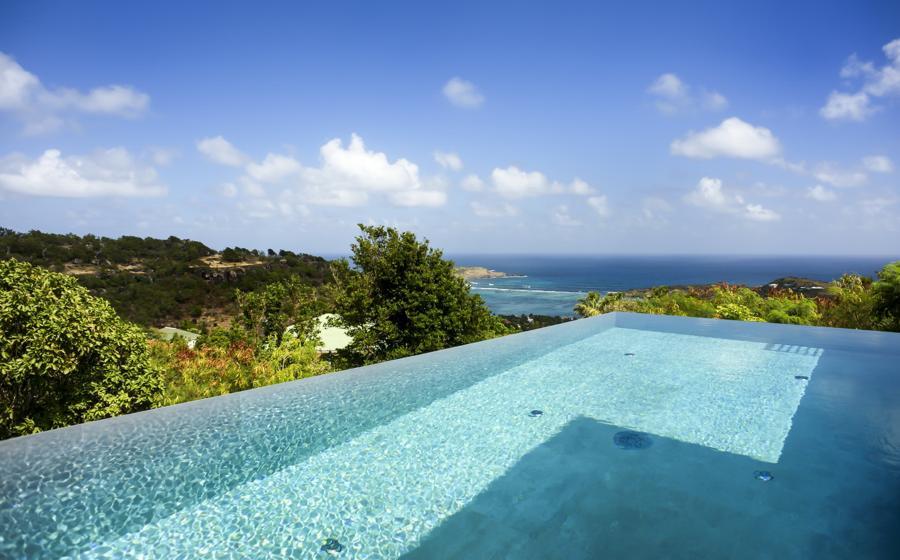 Panoramic view of Lax villa
